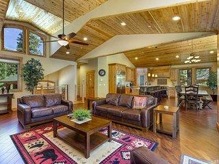 Big Bear Lodge - Sauna, Spa, Pool Table, Chefs Kitchen, Epic Game Room, 2 Master Suites, South Lake Tahoe