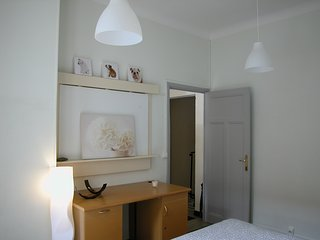 APARTMENT CHARMING 30 HISTORIC CENTER FREE PARKING, Avignon