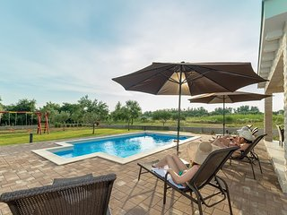 Villa Mia, with heated pool, for 8 person