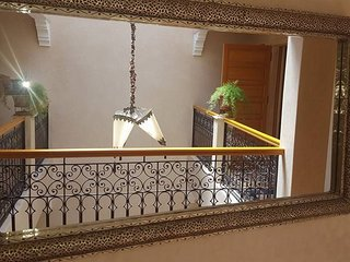 RIAD  ENTIER 6 P CHALEUREUX  CALME  FAMILIAL, Marrakech