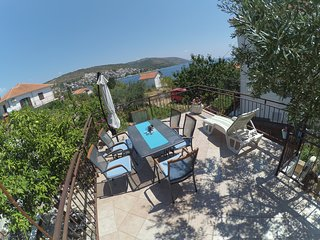 Beautiful apartment Katja on island Ciovo
