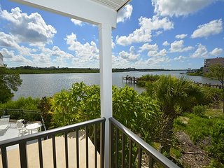 Beautiful Water Views - Updated Decor-Steps to the Beach, Indian Shores