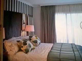 Luxury accommodation for 6 on the edge of seaside, Fuengirola