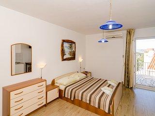 Apartments Zrno-Studio Apartment with Sea View