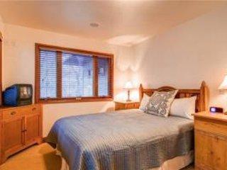 Crescent Ridge - 3BR Condo + Private Hot Tub #119 - LLH 61575, Park City