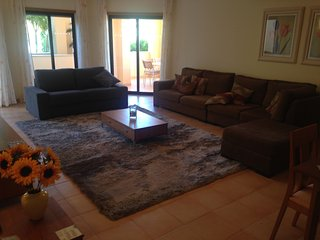 GROUND FLOOR APARTMENT IN PRAIA DA LUZ