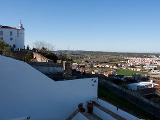 Newly Renovated Apartment in Medieval Castle, Estremoz