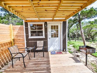 Hill Country Cottage with Pool, Austin