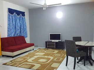 Anjung No 5 Bed and Breakfast KLIA, Banting
