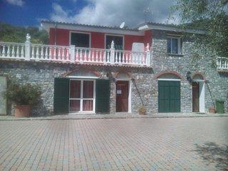 Appartamenti in VILLA  GENNY per vacanze, Civezza