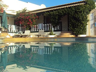 Great Apartment with pool, Beaches and Surfing, Vila do Bispo