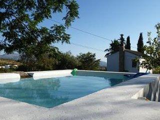 Casa Rural a 8 km de Ronda, ideal para parejas.