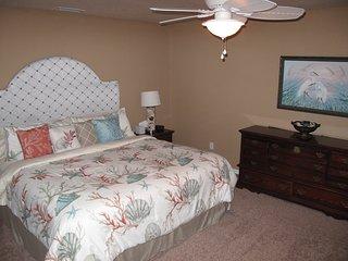 Single Family Heated Pool Home!, Palm Coast