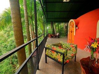 Tree Top Dome Honeymoon Suite, Quepos