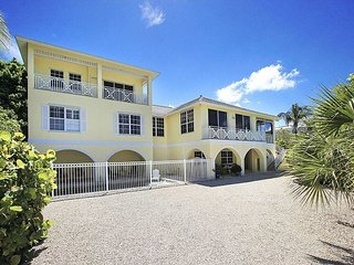 Gulf front luxury home with boat dock and pool, isla de Captiva