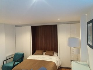 Modern Studio Apartment, Hayes, London