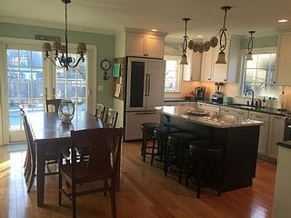 Stunning 5 Bedroom Home With Pool, Kitchen etc, Manasquan