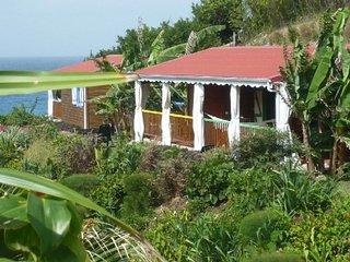 Bungalow de charme, piscine, pool house, accès mer, Le Moule