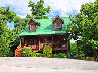 Brigadoon III - Enjoy Amenities Galore at this Fun, Log Cabin in the Smokies, Gatlinburg