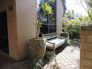 Dunsborough TownHouse close to town and beach