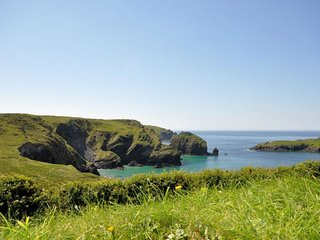 CORMO Bungalow in Mullion Cove, St Keverne