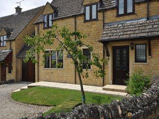32305 House in Moreton-in-Mars, Todenham