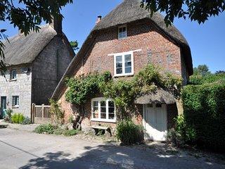 45988 Cottage in Malborough, North Newnton