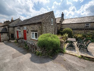 PK492 Cottage in Youlgreave, Edensor