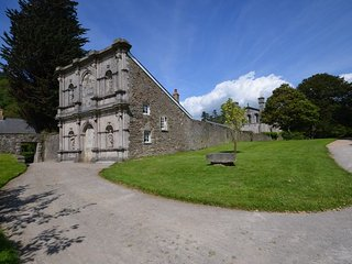 IVYMP Cottage in Margam, Neath