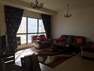 High floor, beautiful 2-bedroom with sea view, Dubai