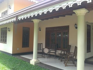Johans Retreat - 2 bedroom bungalow with AC, Negombo