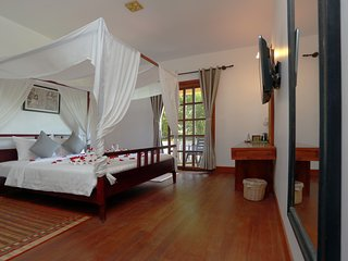 Deluxe Double With Balcony ( Free pick up), Siem Reap