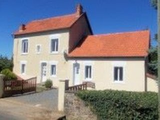 Notre Maison Les Bordes 4 bedroom Holiday home located in Indre/Creuse valley