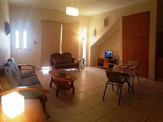 Camelia Gardens-Spacious Hiliday Apartment, Paphos