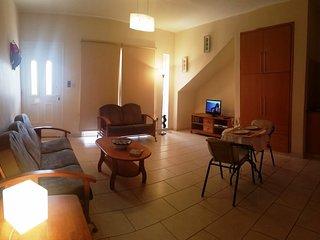 Camelia Gardens-Spacious Hiliday Apartment, Pafos