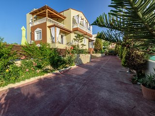 Only 800m from the Sea, Apollon Side View Villa