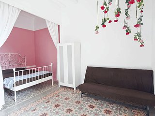 GRACIA / PRIVATE STUDIO/ METRO / FREE WIFI / srs, Barcelona
