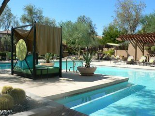 Stylish Furnished Rental in North Scottsdale WOW
