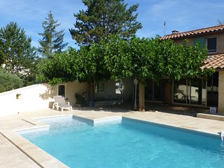 La Roc' Bruyere, Pet-Friendly 3 Bedroom Villa with, Saint-Saturnin-les-Apt