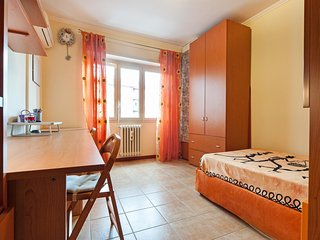 Comfy and nice single room in Villa Gordiani, Rome