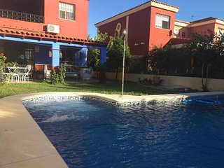 Bonita casa con piscina en Sevilla !!, Seville