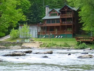 Amenity packed lodge in North Georgia Mountains!, Ellijay