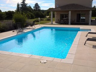 French Villa, Pool, Views, near Aubeterre/Chalais