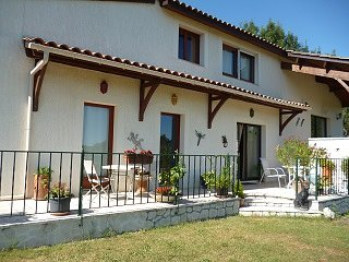 Guest wing for couples. Countryside & lake views., Villereal