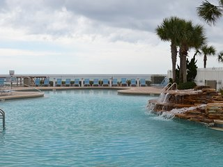 4 POOLS And Movie Theater! Fabulous Majestic Beach