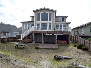 Beachfront 4 bedroom home