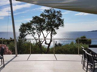 Villa très belle vue à 5mn à pied de sa plage priv, Sainte-Maxime