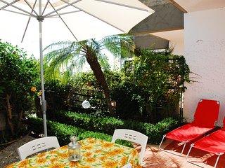 Appartamento con giardino a pochi metri dal mare, Acitrezza