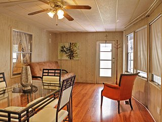 NEW! Lovely 2BR Hobe Sound House w/Private Porch!