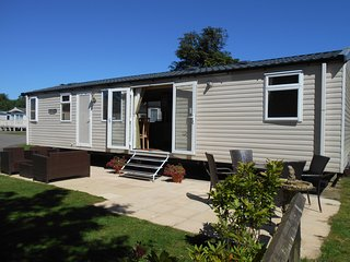 ESKDALE 11, PRIMROSE VALLEY HOLIDAY PARK, FILEY